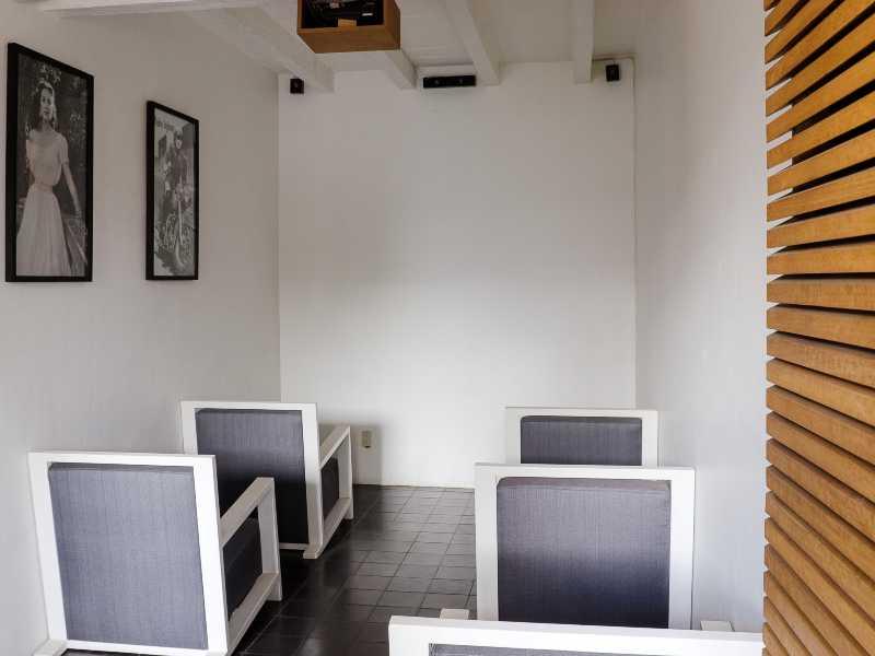 Audiovisual Lounge